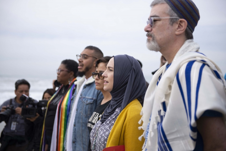 Faith leaders protest together at border