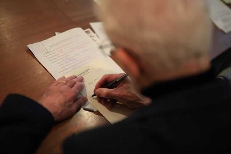 Writing letters to people in prison