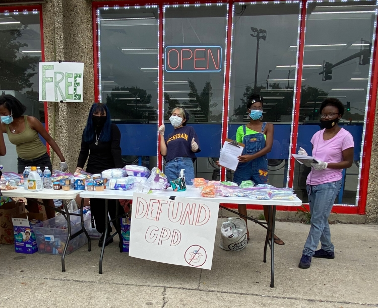 Youth at a mutual aid pop-up in Chicago
