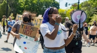 Treatment not trauma rally in Chicago
