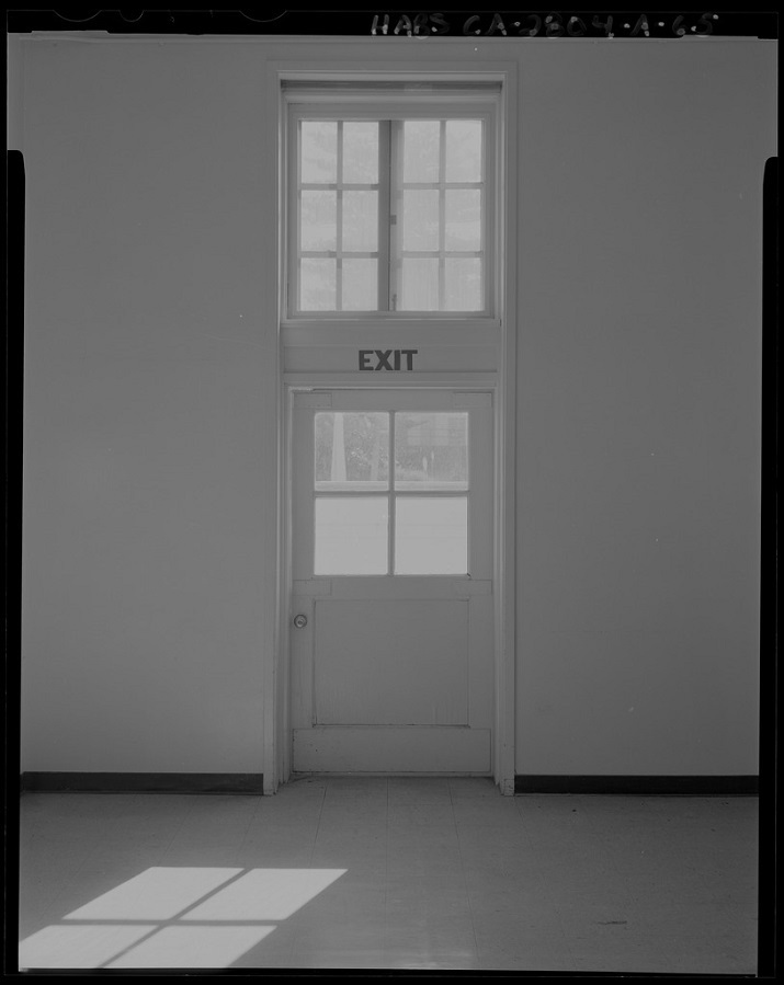 Exit door in San Quentin, photo by Robert A. Hicks for the Historic American Buildings Survey [public domain] via Wikimedia Commons