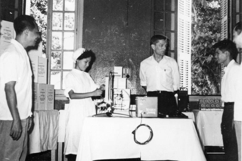 AFSC also defied the US embargo to send medical supplies to North Vietnam. Here, a staffer delivers cardiac surgery equipment to the Viet-German Friendship Hospital in Hanoi in 1969. (AFSC archives)